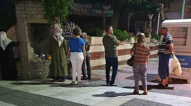 MANİSA'DA GECE SAATLERİNDE SU KUYRUĞU