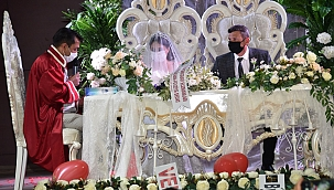 Yunusemre'de Bin 304 Çiftin Nikahı Kıyıldı