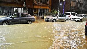 Manisa'da yağmur hayatı olumsuz etkiledi