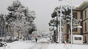 Manisa'ya kar geliyor
