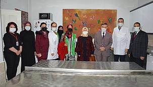 Manisa Ruh Sağlığı ve Hastalıkları Hastanesi'nde kalan hastalara giyim yardımı