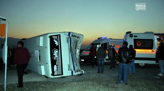 Manisa'da  Trafik Kazası Tam 21 Yaralı !!