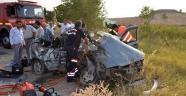 2 otomobil kafa kafaya çarpıştı: 3 ölü, 4 Yaralı
