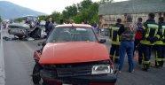 4 araç birbirine girdi 4 kişi öldü